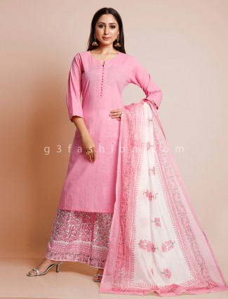 Pink palazzo suit for festive session