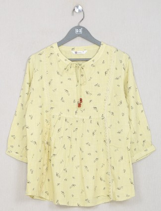 Pretty printed yellow cotton casual top