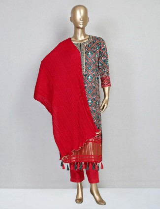 Red pant suit in cotton silk for festive