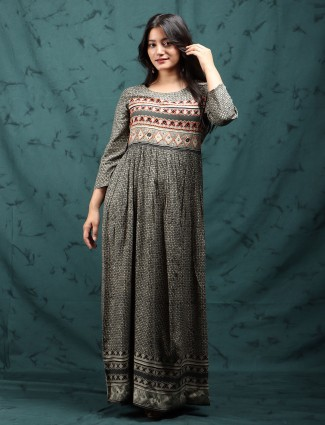 Rich grey cotton printed kurti for casual look