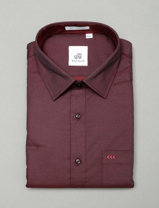 SDW solid maroon cotton cut away collar shirt