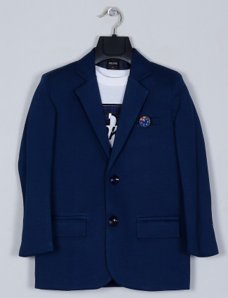 Solid style blue shade blazer with t-shirt