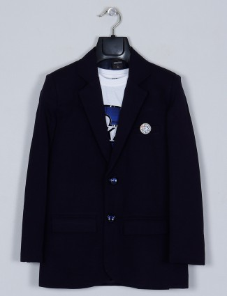 Solid style navy shade blazer with t-shirt in terry rayon