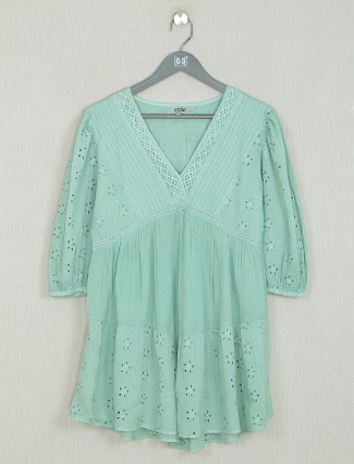 Solid style pistachio green shade solid style top