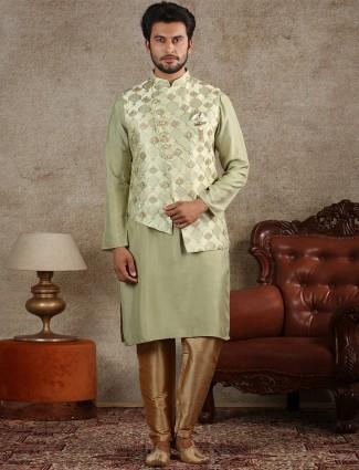 Stand collar green hue waistcoat set