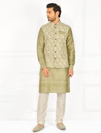 Thread details pista gren hue waistcoat for mens