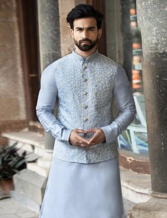 Thread work blue raw silk waistcoat set