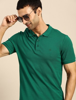 UCB presented solid casual t-shirt in green