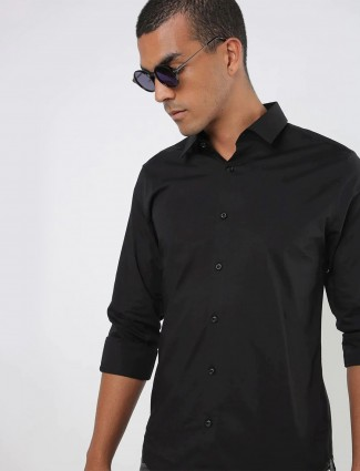 UCB solid style black shirt for men