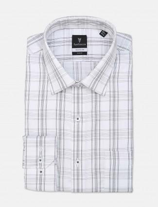 Van Heusen mens white checks pattern shirt