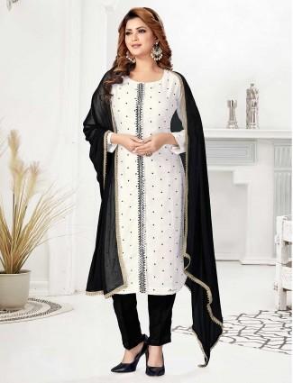 White and black color bandhek cotton pant suit