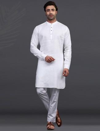 White linen mens kurta pajama