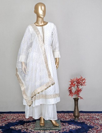 White palazzo suit in cotton silk with thread details