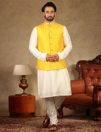 Yellow and cream waistcoat set in raw silk