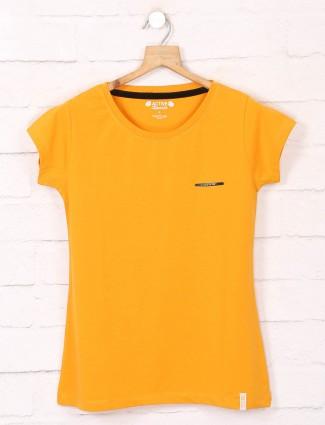 Yellow round neckline cotton casual t-shirts