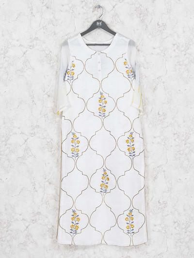 Off white hued cotton fabric kurti