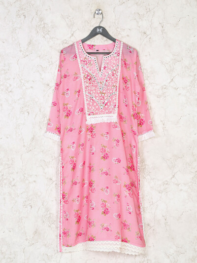 Pink printed cotton kurti for casual look