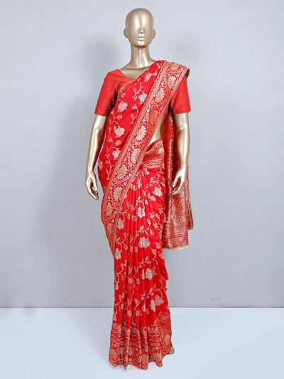 Red wedding look saree for women