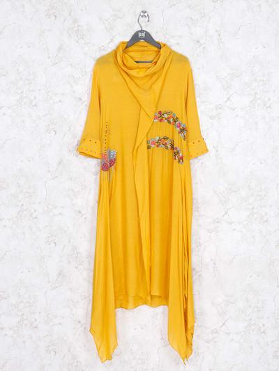 Yellow hue casual wear kurti in cotton
