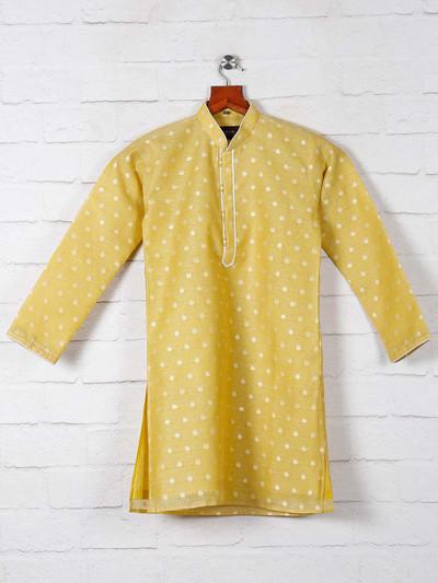 Yellow zitter patern kurta suit for boys